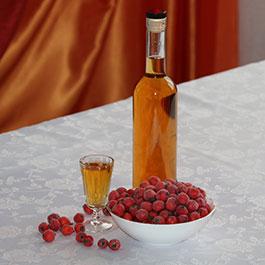 Настойка на боярышнике из свежих или замороженных ягод